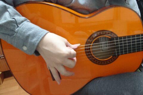 指をバラバラに使うラスゲアード奏法1